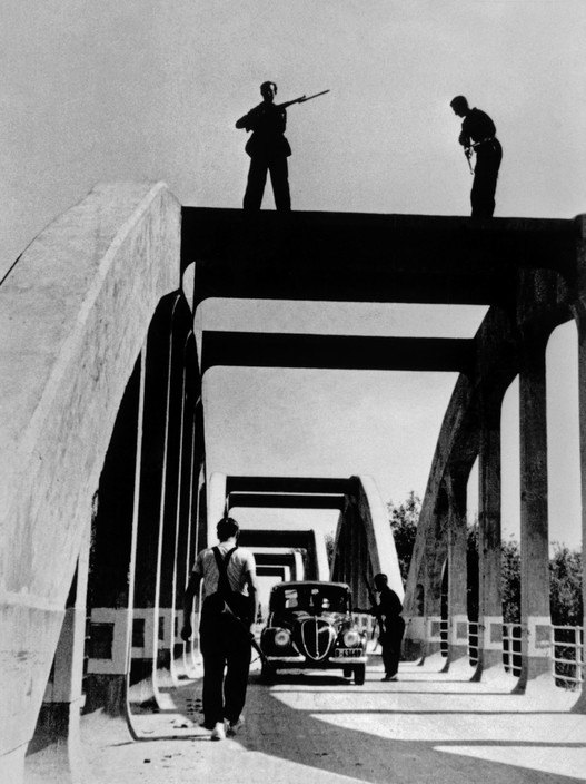 SPAIN. The Spanish civil war. The Republican side. A checkpoint near Barcelona. August/September. 1936. During the Spanish Civil war.
