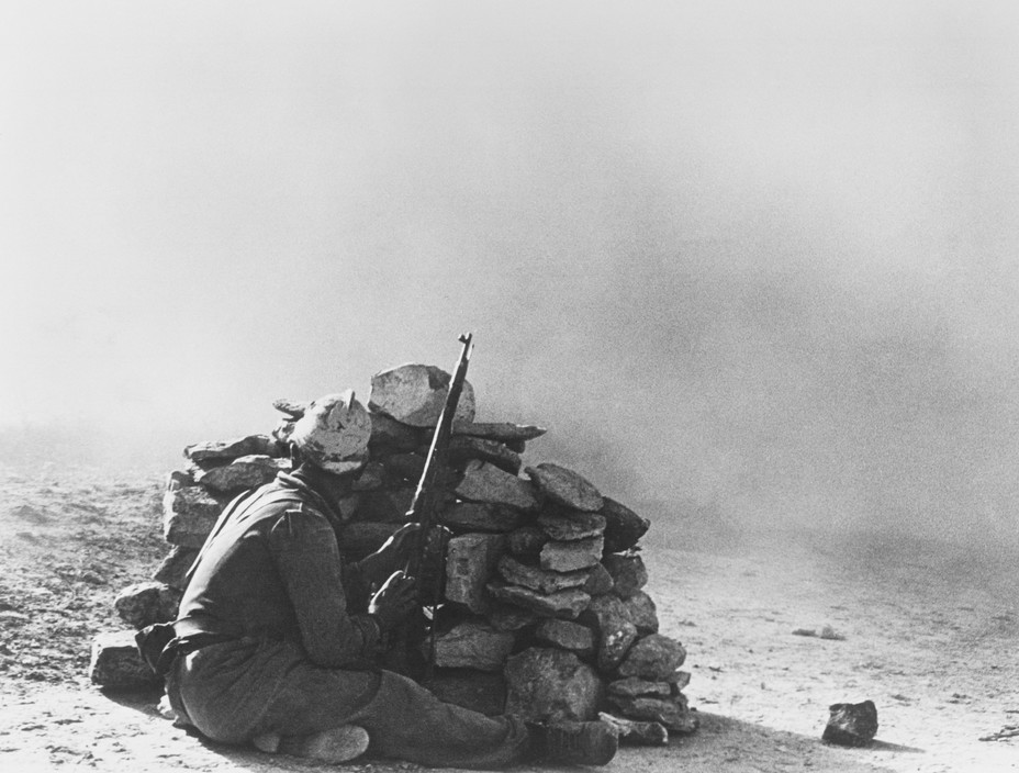 SPAIN. Spanish Civil War (1936-9)  ICP 267. Near Fraga, Aragon front. November 7th, 1938. Loyalist troops during an offensive along the Rio Segre.