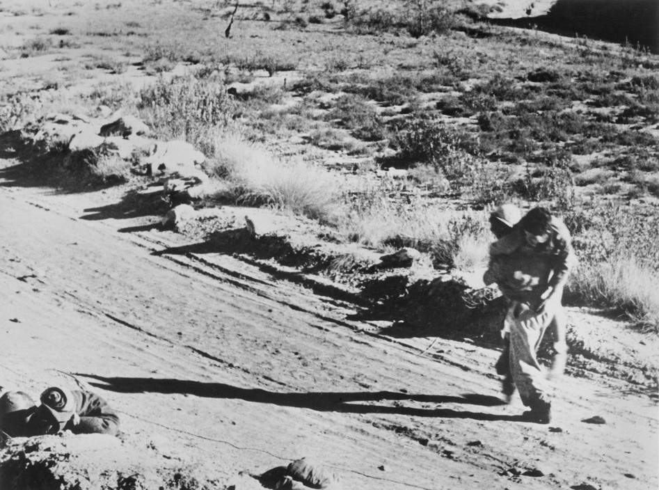 SPAIN. Spanish Civil War (1936-9)  ICP 273. Near Fraga, the Aragon front. November 7th, 1938. Loyalist troops during an offensive along the Rio Segre.