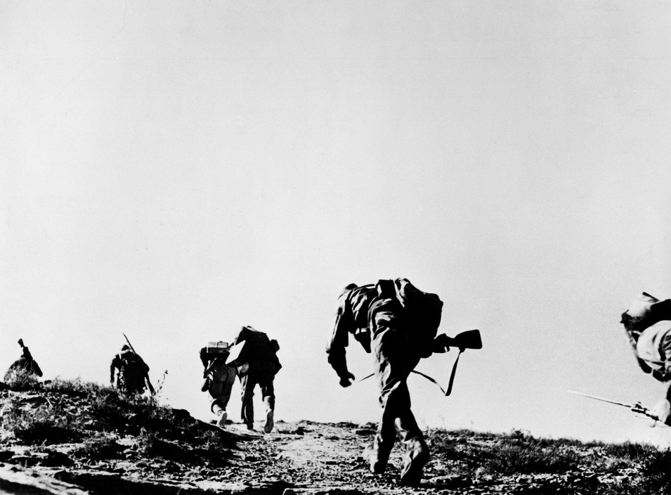 SPAIN. November 7th, 1938. Near Fraga, the Aragon front. Loyalist troops during an offensive on the Rio Segre.