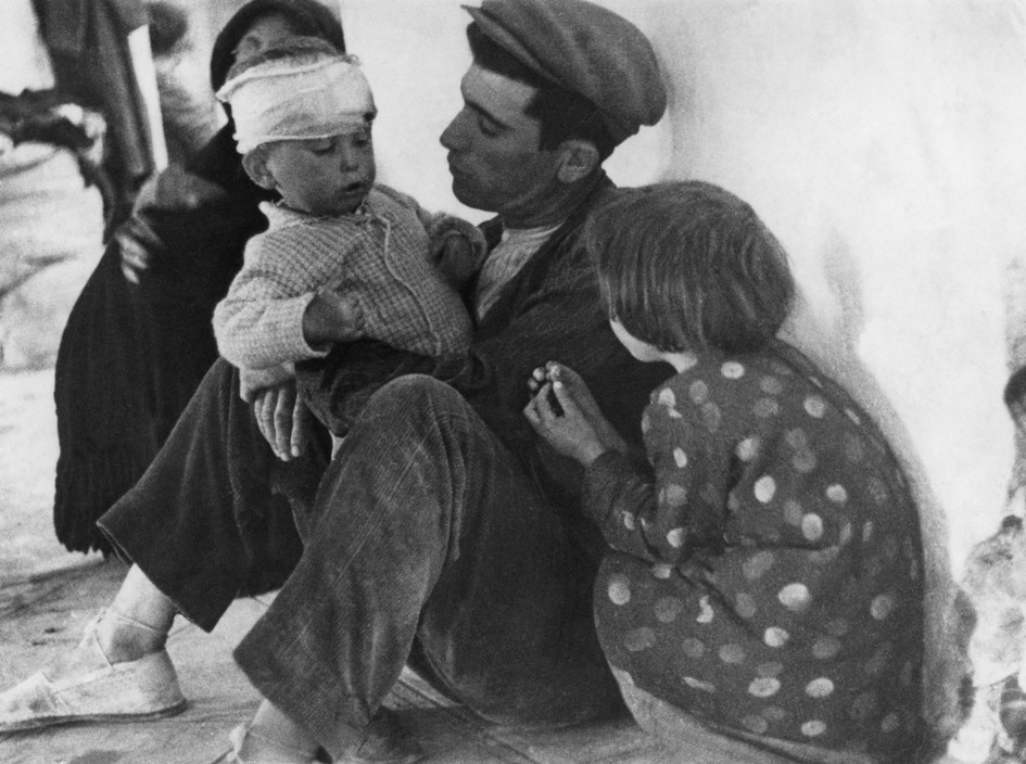 "SPAIN. Murica. February 1937.""The Spanish Civil War"".Refugees from Malaga."