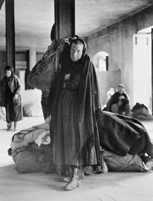 SPAIN. Spanish Civil War (1936/9) ICP 221.Murcia. February, 1937. Refugees from Malaga.Murcie. Février 1937. Réfugiés de Malaga.