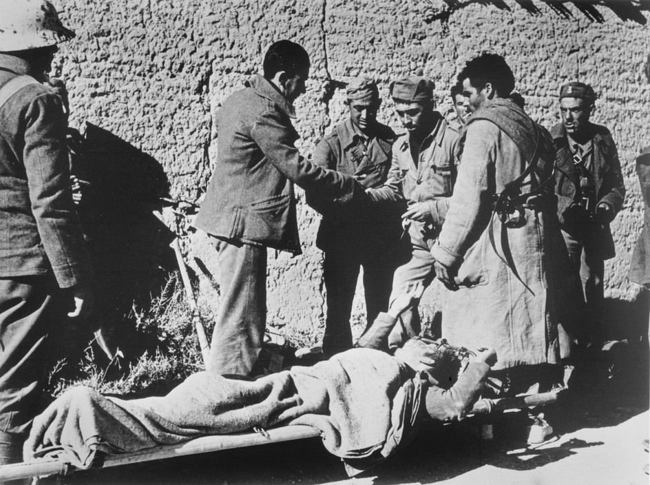 SPAIN. Spanish Civil War (1936-9)  ICP 276. Near Fraga, the Aragon front. November 7th, 1938. Loyalist troops during an offensive along the Rio Segre.
