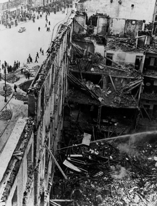 SPAIN. Spanish Civil War (1936-9)   ICP 193. Madrid. Winter 1936/37. A building destroyed by Italo-German air raids. The Nationalist offensive on Madrid, which lasted from Nov. 1936 to Feb. 1937, was one of the fiercest of the Civil War. During this period Italy and Germany started helping the Nationalist forces, and the USSR the Popular Front government. Madrid. Hiver 1936-37. Apres les bombardements italo-allemands.